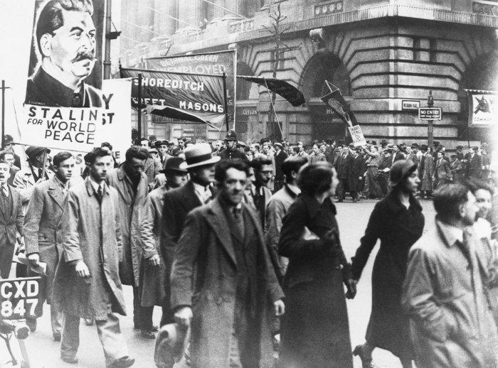 Шествие английских коммунистов в Лондоне, 1 мая 1936 год.