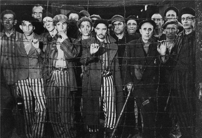 Заключённые одного из крупнейших концентрационных лагерей на территории Германии.