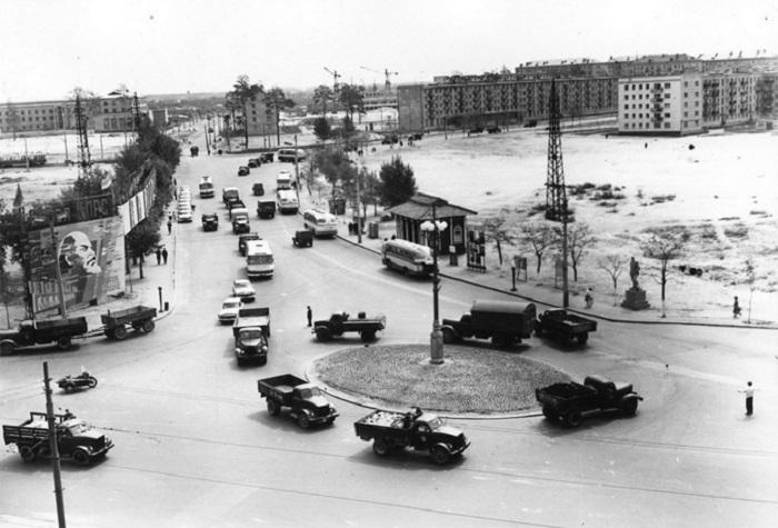 Ленинградская площадь в 1964 году. Фото из Центрального государственного архива кинофотофонодокументов имени Пшеничного.