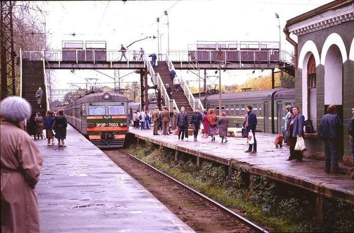 Платформы электропоездов.