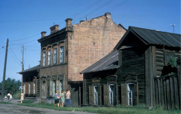 Старые дома в районе улицы Тимирязева.