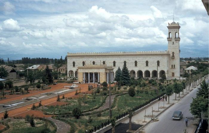Дом-музей Сталина в Гори.