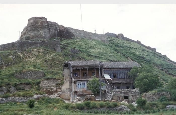 Крепость Нарикала - крепостной комплекс различных эпох в Старом Тбилиси.