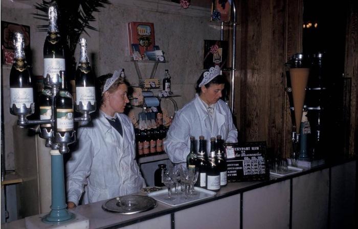 Магазин по продаже шампанских вин. Тбилиси, 1964 год.
