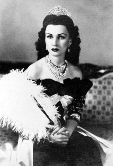 Красавица Фавзия Фуад - королева Ирана и Египта. 1939 год.