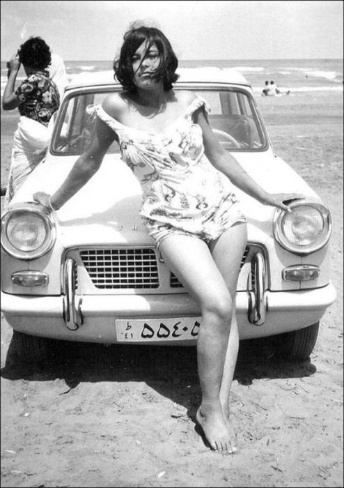 Иранская женщина до Исламской революции. Иран, 1960 год.