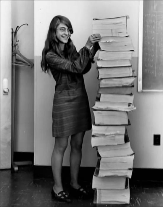 Маргарет Хэмилтон, главный инженер программного обеспечения в NASA. 1969 год.