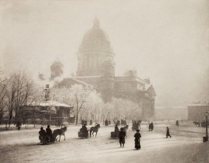 Исаакиевский собор зимой 1908 года.