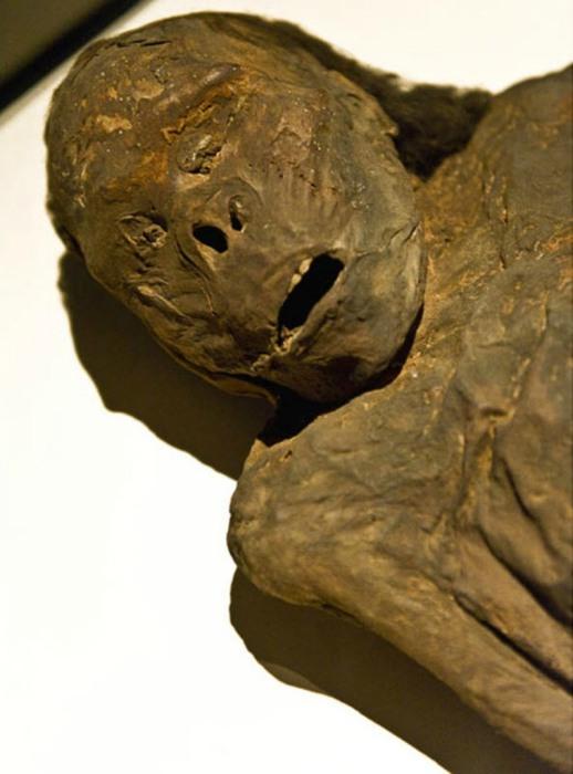 Мумия женщины из Океании.