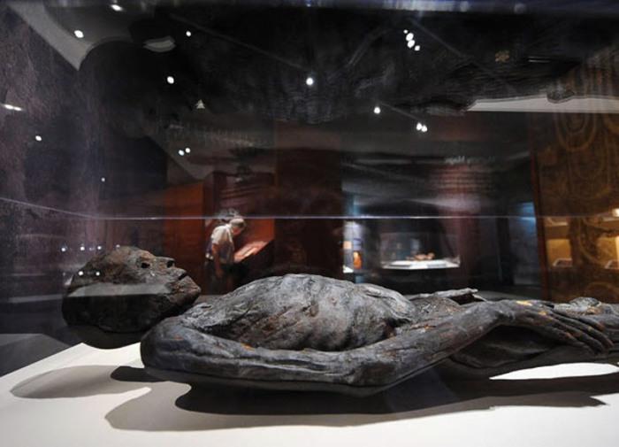 Мумия мужчины из Египта, датируемая 408 годом до н.э.