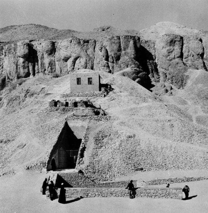 Вход в гробницу Тутанхамона для посетителей.