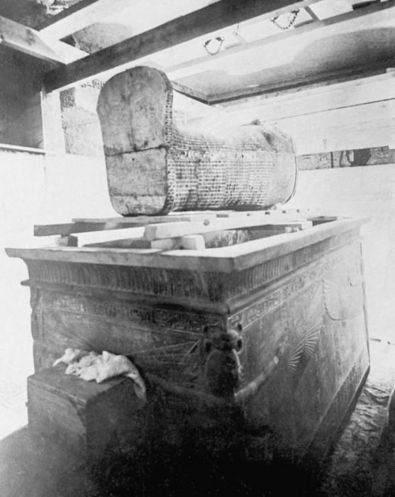 Снимок гробница Тутанхамона, сделанный в 1920-х годах.