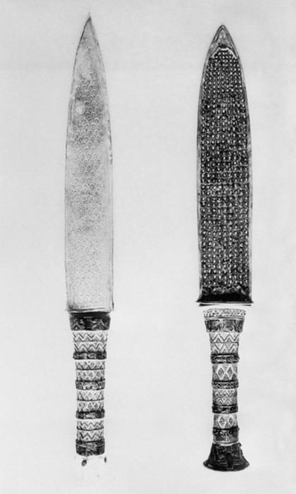 Ритуальные кинжалы, найденные во время раскопок в Луксоре.