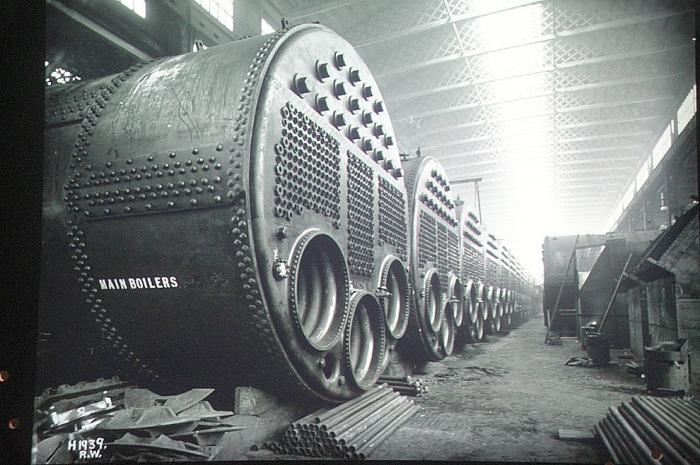 Находившиеся в машинном отделении 29 котлов и 159 угольных топок.