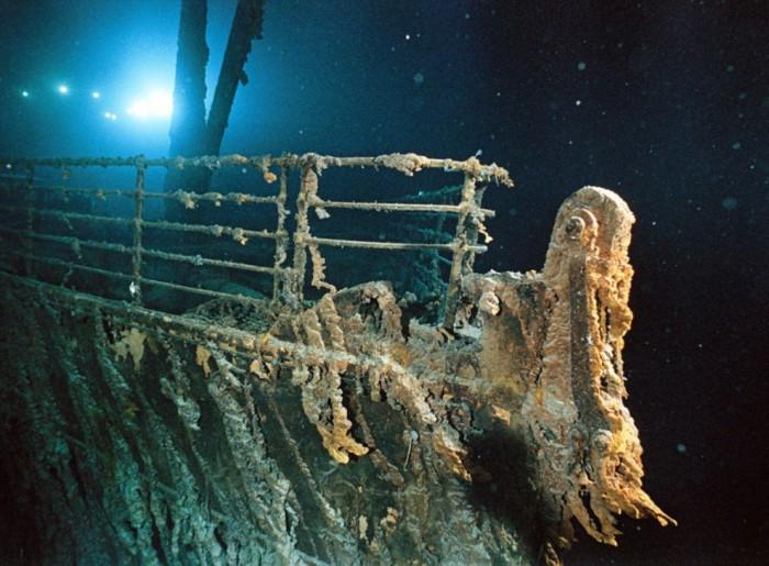 Нос затонувшего лайнера спустя 100 лет.