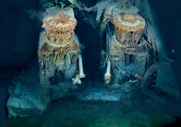 Два огромных двигателя Титаника покоящихся на дне.