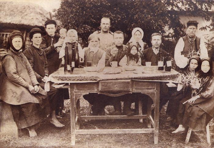 На празднике. Село Вороньки, 1916 год.