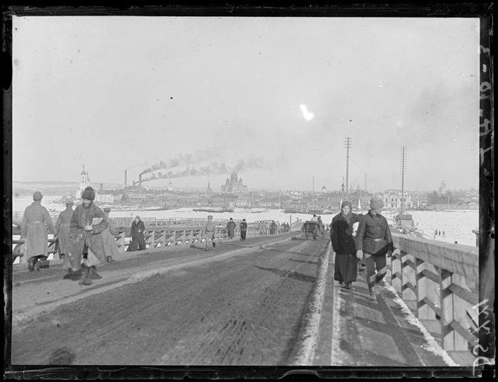Панорама на въезде в город у Ангарского моста. Иркутск, март, 1919 год.