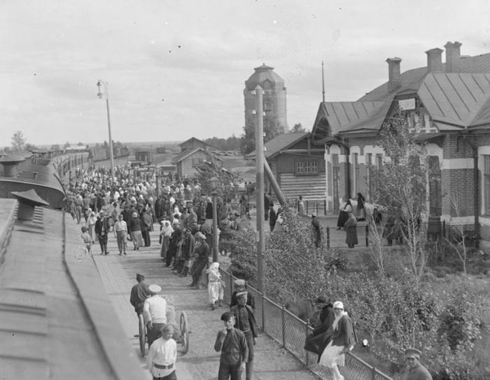 Станция Бийск - станция Алтайского региона Западно-Сибирской железной дороги. Лето, 1919 года.