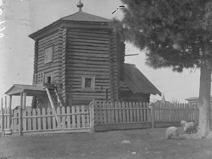 Старая деревянная церковь. Лето, 1919 года.
