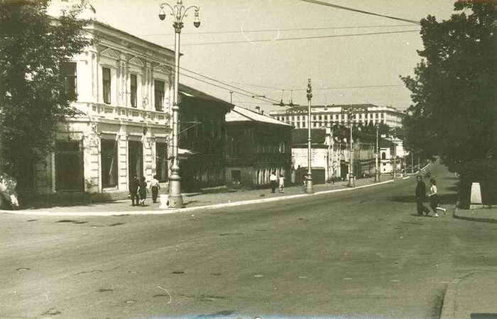 Комсомольский проспект с западной стороны.