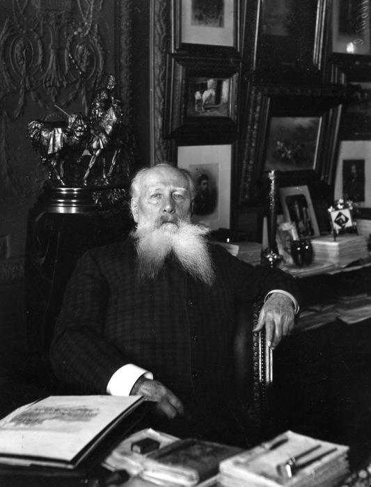 Скульптор Александр Михайлович Опекушин. 1908 год.