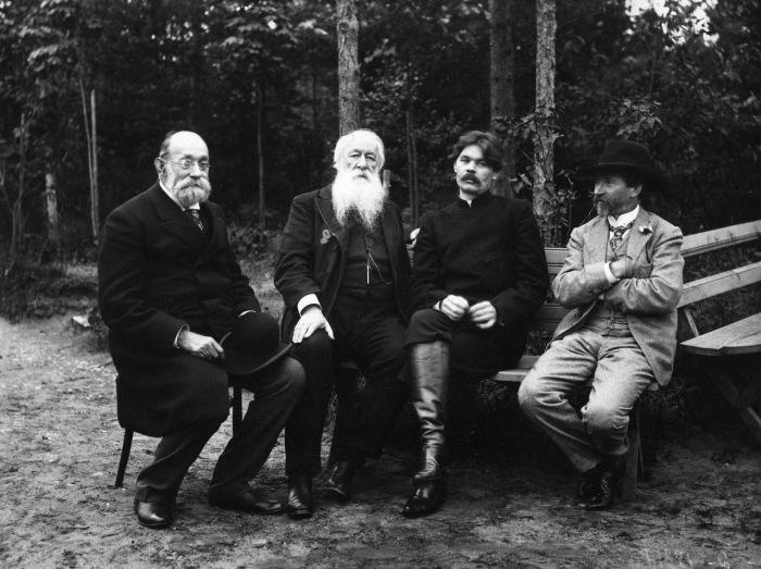 Пирогов, Стасов, Горький и Репин. 1905 год.