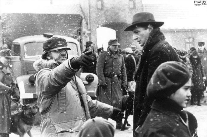 Стивен Спилберг и Лиам Нисон на съемках фильма Список Шиндлера. Польша, Освенцим, 1993 год.