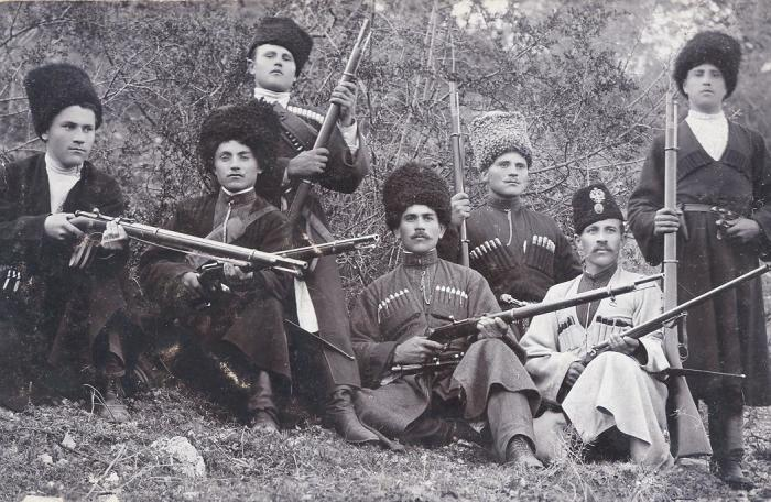 Уникальные ретро фотографии казаков, сделанные в конце ХIX - начале XX века .