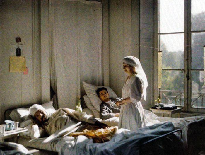 Несмотря на массированные обстрелы, в Реймсе размещалось большое количество госпиталей.