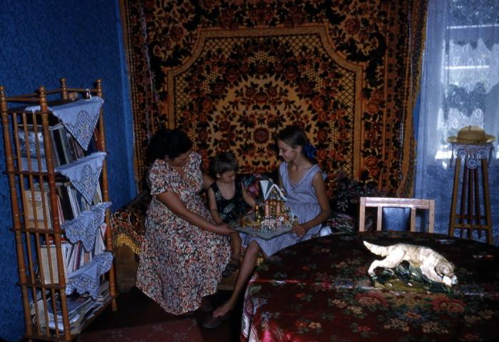 Интерьер советской квартиры в пятидесятых годах.