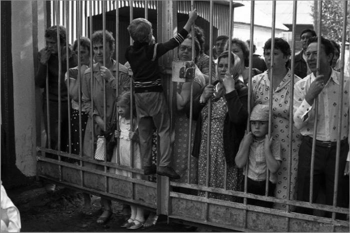 Родительский день в пионерском лагере. СССР, Зенково, Прокопьевский район, 1985 год.