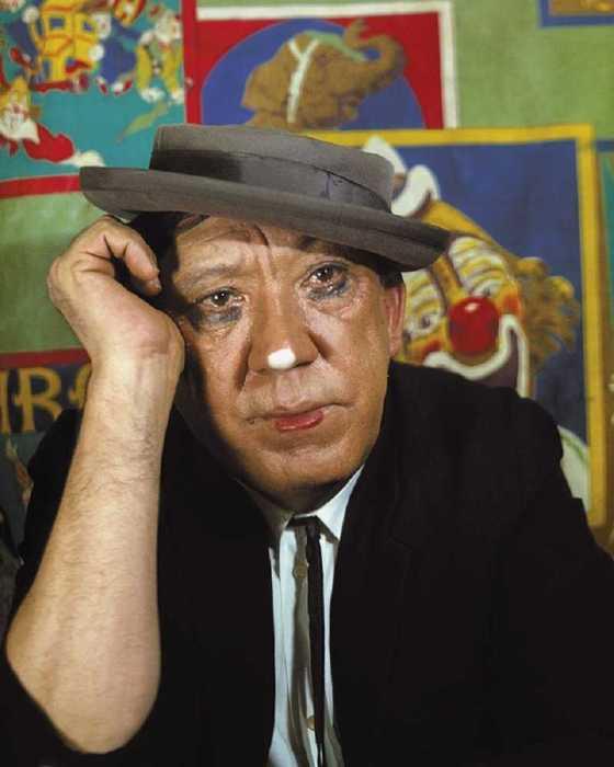 Советский артист цирка, киноактёр, телеведущий, директор Цирка на Цветном бульваре.