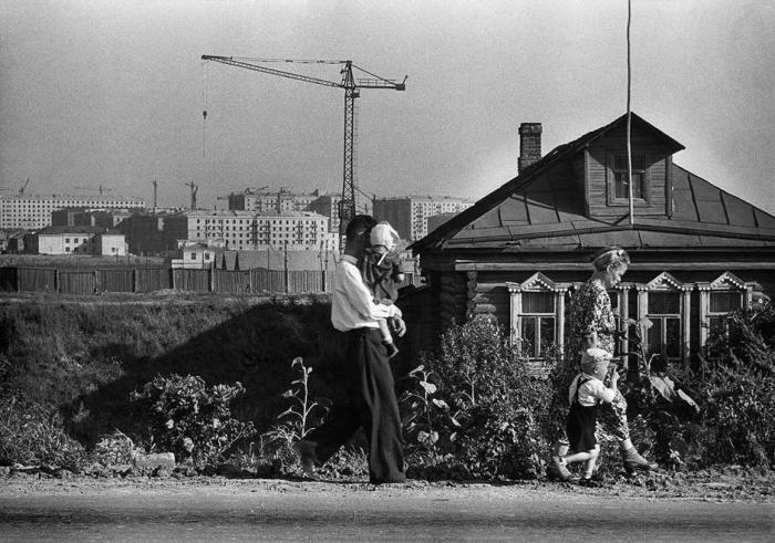 Застройка новых районов на окраине города. СССР, Москва, 1954 год.
