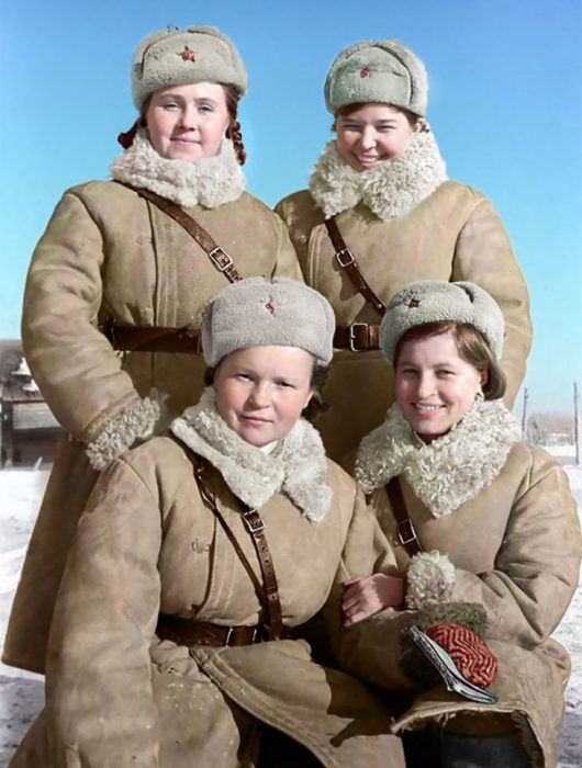 Женщины и девушки шли в партийные и комсомольские организации, в военные комиссариаты и там настойчиво добивались отправки на фронт.