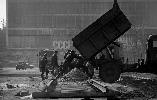 Строительный объект. Казань, улица Ямашева, 1991 год. Автор фотографии: Evgeny Kanaev.