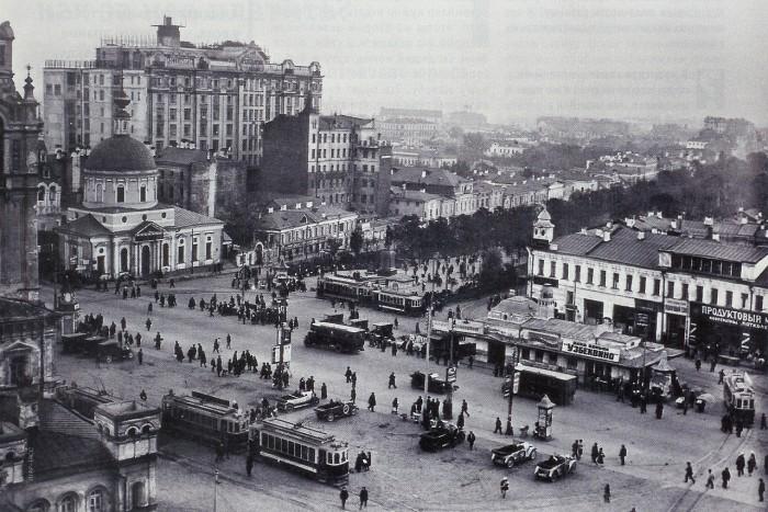 Вид на Страстную площадь из здания газеты «Известия». СССР, Москва, 1924 год.
