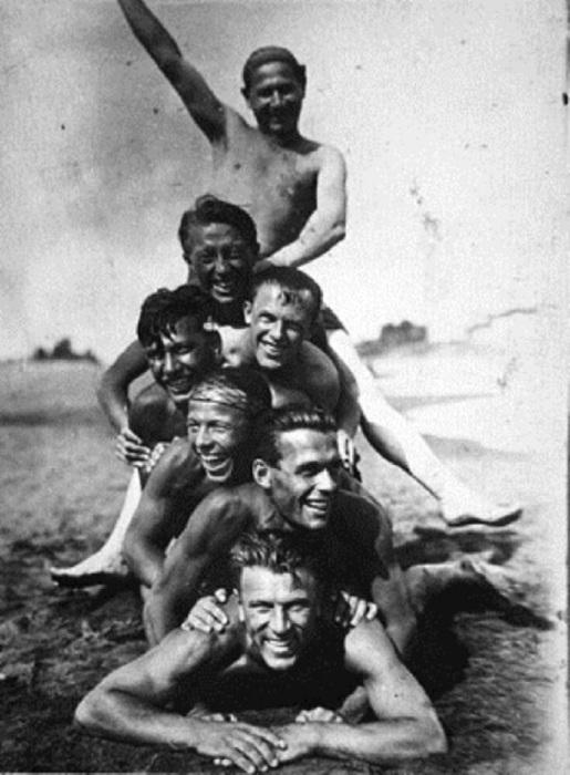 После купания. Середина 1930-х годов.