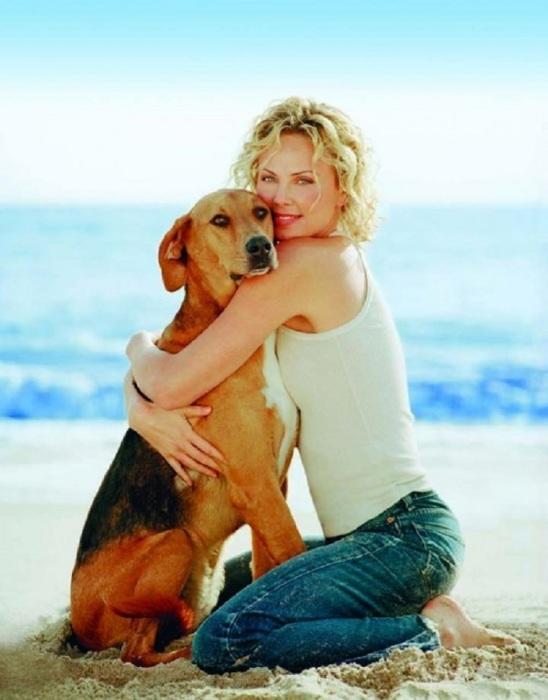 Любимая собака актрисы Шарлиз Терон.