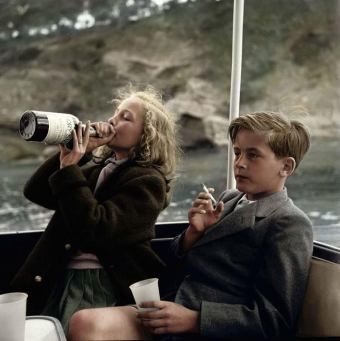 13-летняя княжна Ивонна и 12-летний князь Александр Сайн-Витгенштейн-Сайн.