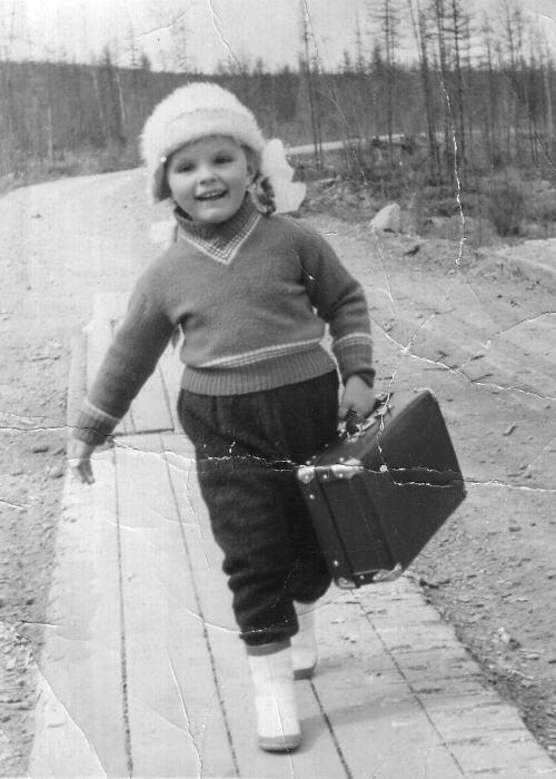 Дочка известного советского геолога. Якутия, 1966 год.