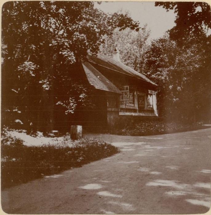 Гостевой домик в псевдорусском стиле. Россия, село Талашкино, 1909 год.