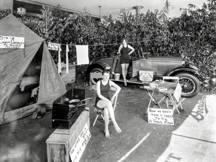 Вечеринка в стиле летнего кемпинга. США, 1925 год.