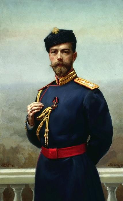 Император Николай II с орденом святого Владимира в 1905 году.