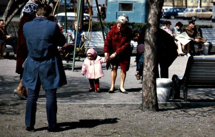 Прогулка в парке. СССР, 1971 год.