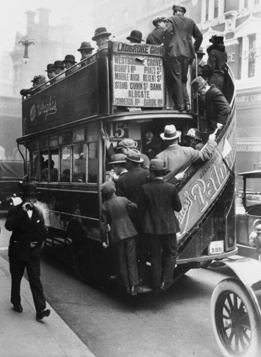 Лондонский автобус в 1928 году.