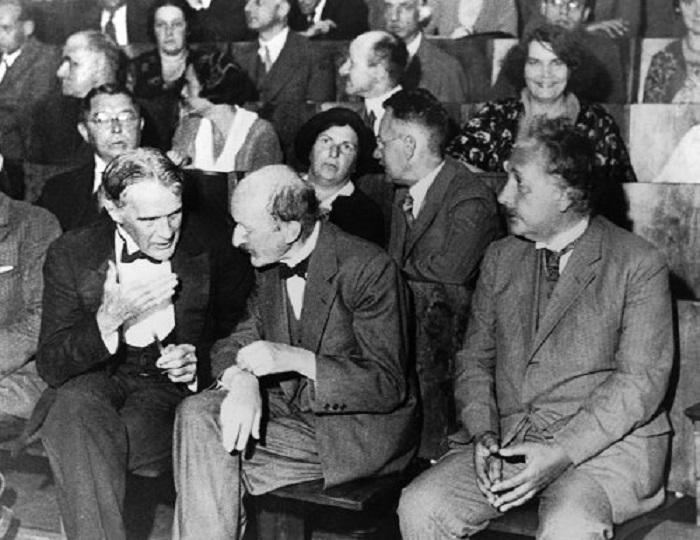 На заседании Немецкого физического общества в Берлине, 28 июля 1931 года.
