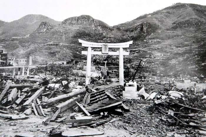 Разрушения на территории Нагасаки после атомной бомбардировки.
