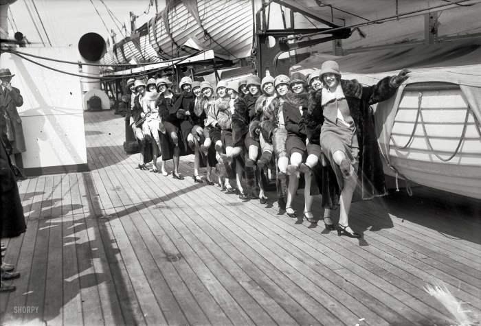 Варьете на палубе пассажирского судна в 1926 год.