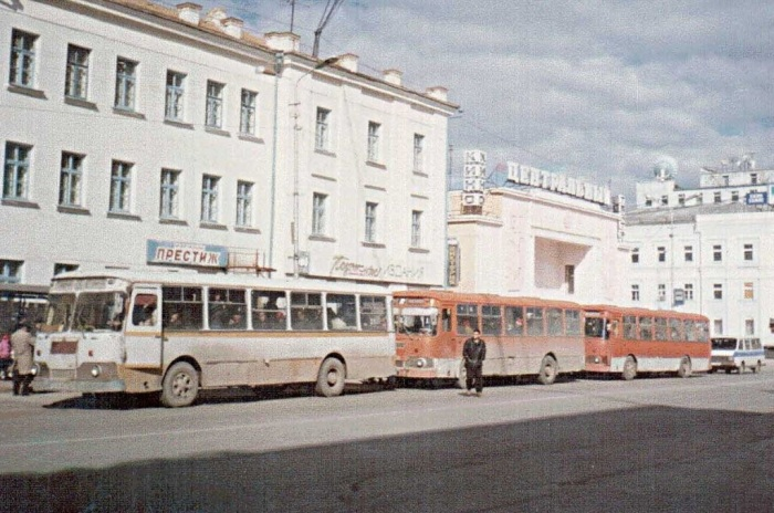 Магазин Престиж. Россия, Владивосток, 1993 год.
